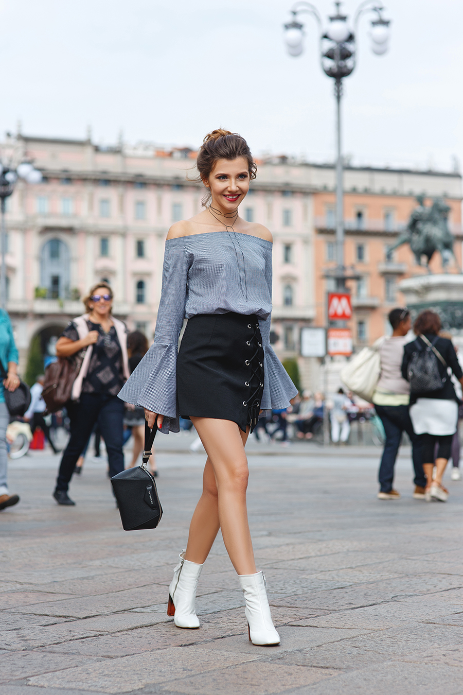 larisa costea, larisa costea blog, the mysterious girl, the mysterious girl blog, fashion blog, blogger, fashion, fashionista, it girl, travel blog, travel, traveler, ootd, lotd, outfit inspiration,look of the day,outfit of the day,what to wear,duomo, duomo di milano, milano,milan,milan fashion week,mfw,mfw ss 17,spring summer,chicwish,bell sleeve top,black and white top,black short skirt,kurt geiger boots,ankle boots,luisa via roma,givenchy bag,antigona, blackbag,transparent heelboots,galleria vittorio emanuele II, milan,milano,milan fashion week