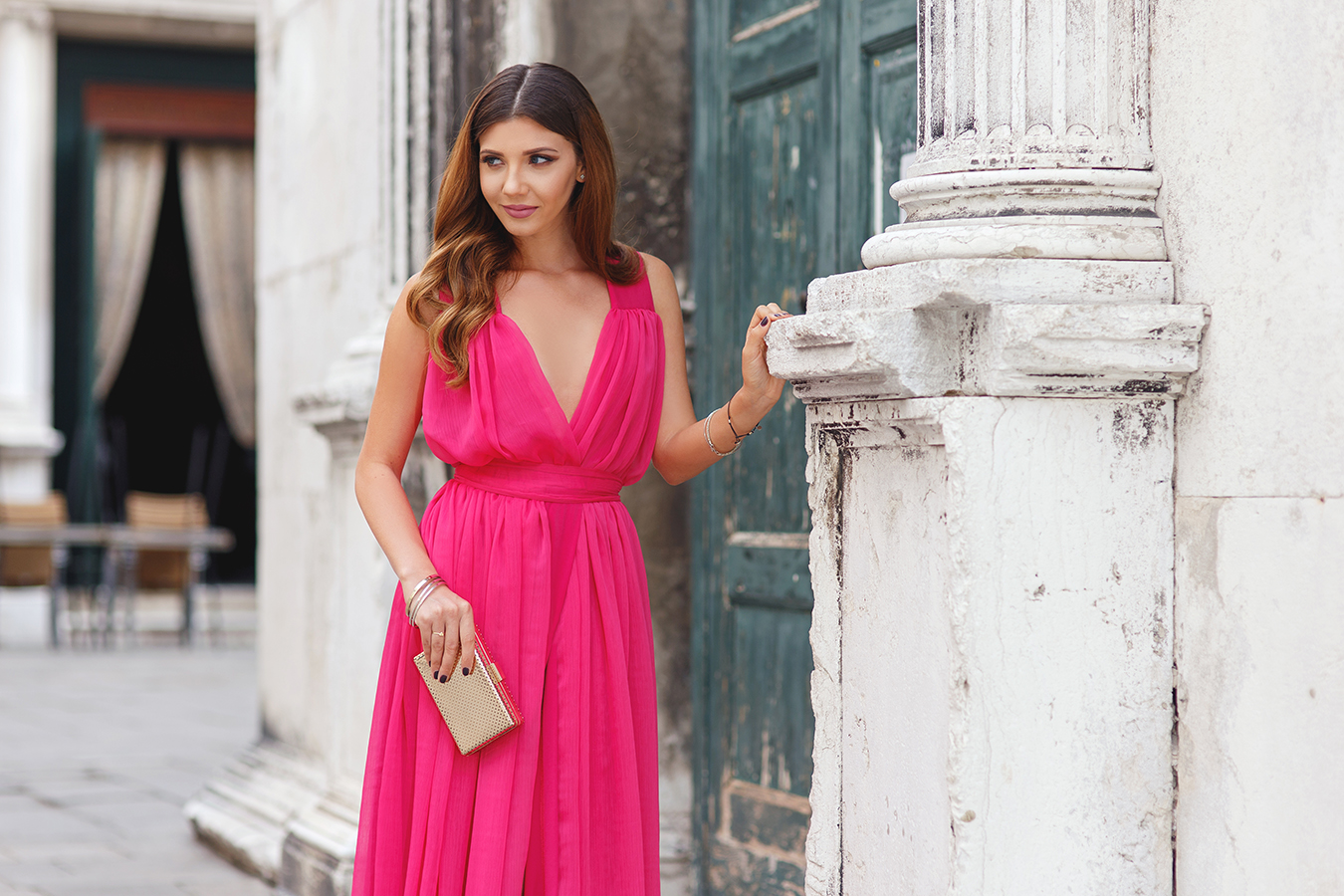 larisa costea, larisa costea blog, the mysterious girl, the mysterious girl blog, fashion blog, blogger, fashion, fashionista, it girl, travel blog, travel, traveler, ootd, lotd, outfit inspiration,look of the day,outfit of the day,what to wear, venice, venezia, san marco,campo san fantin,teatro de la fenice, fashion blogger in venice,larisa in venice, larisainvenice,larisainvenezia,larisainitaly, travel blogger, travelin style,long pink dress,long fuchsia dress, chic diva dress,rochie chic diva, rochie ocazie,rochie lunga, cocktail dress,gown, gold sandals,jessica buurman,giuseppe zanotti, golden clutch,chicwish, soft curls