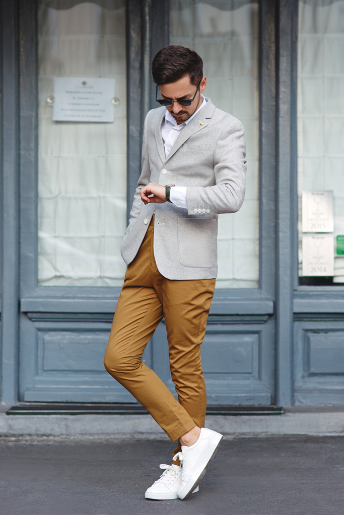 adrian, adi, coolook, menstyle, stylemen, mensfashion, romanianfashion, romanian, blogger, fashioblogger, travelblogger, bucharest, streetstyle, buchareststreets, lookoftheday, ootd, asos, zara, kurtgeiger, zerouv, henrylondon, henrywatches, greyblazer, mustardpants, brownpants, whiteshirt, greenwatch, whitesneakers, phoenix, phoenixsneakers