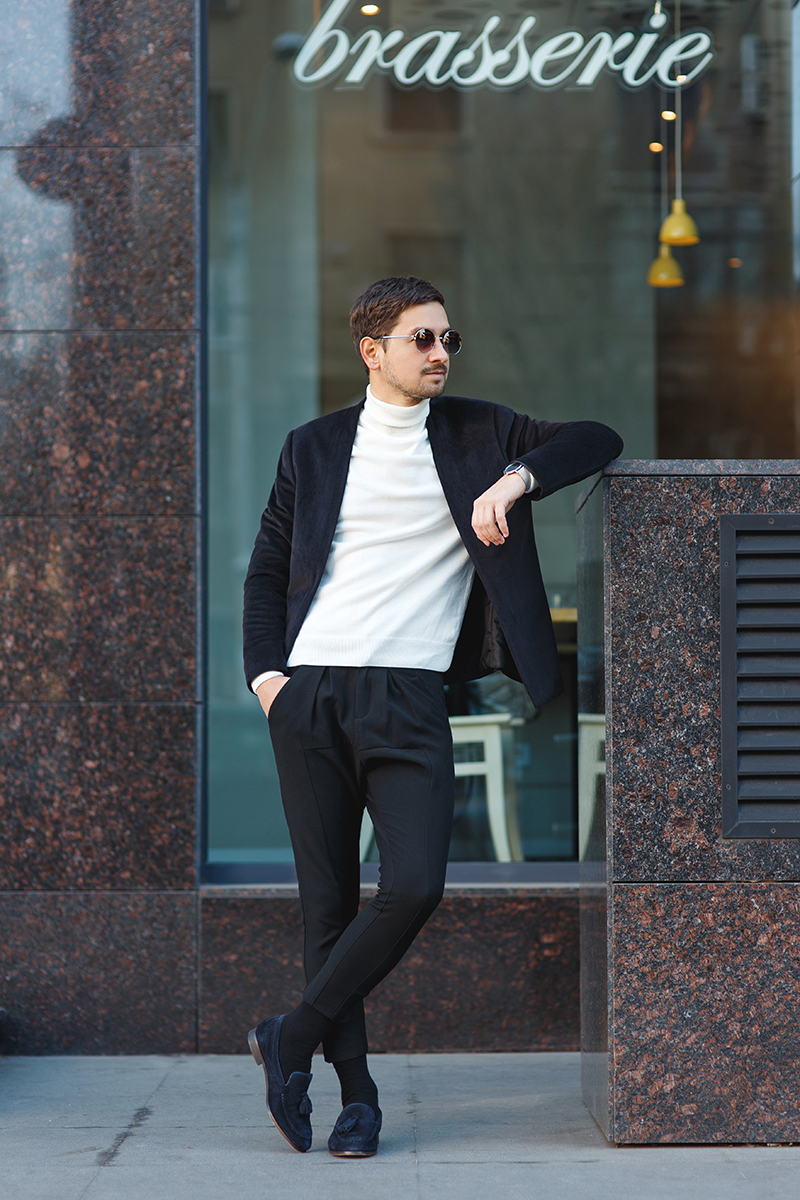 kaptenson, watch, classic, kaptenandson, lookoftheday, menstyle, men, outfit, outfitoftheday, menoutfit, velvetoutfit, blackvelvet, whitejumperoutfit, kurtgeiger, kurt, geiger, shoes, navyshoes, navy, blackjacket, blackblazer, black, blazer, asos, zara, pants, blackpants, blackjoggers, zarapants, blacksocks, whitejumper, whiteturtleneck, turtleneck, roundedsunglasses, sunglasses, round