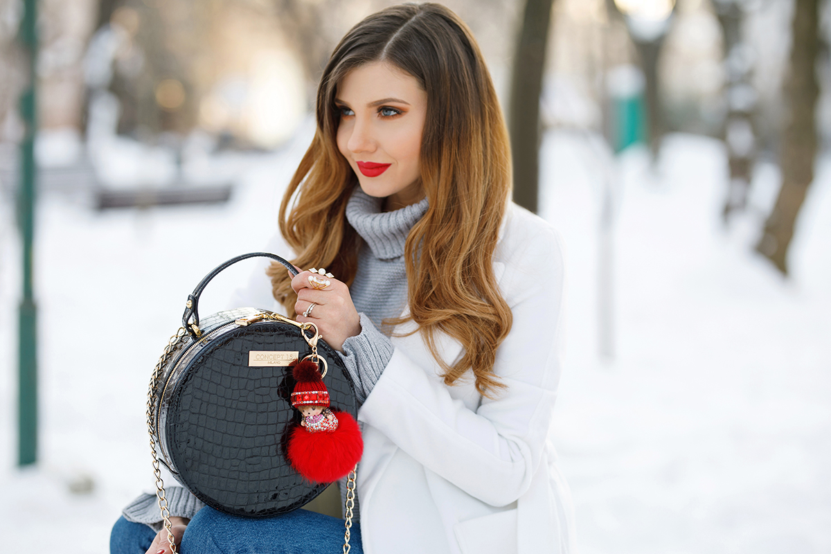 larisa costea, larisa costea blog, the mysterious girl, the mysterious girl blog, fashion blog, blogger, fashion, fashionista, it girl, travel blog, travel, traveler, ootd, lotd, outfit inspiration,look of the day,outfit of the day,what to wear, winter outfir, winter ootd, ootd, look of the day, winter wondeland,snow, boots,ankle boots,botinedin piele,botine joyas, joyas boots,leather boots, suede boots, piele naturala,piele intoarsa, botine mireya, concept 15, concept 15 bag, leather bag, croc leather, patent leather, rpund bag, geanta concept 15, fur pom pom,bag accessory, discount code, sales, ilovejoyas, jolly chic coat, jolly chic coupon code, mom jeans, grey turtleneck,sweater, grey sweater, shein, shein jeans, red lipstick, mac lipstick, ruby woo,park,walk in the park