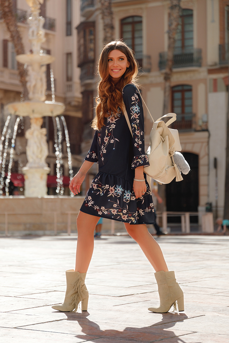larisa costea, larisa costea blog, the mysterious girl, the mysterious girl blog, fashion blog, blogger, fashion, fashionista, it girl, travel blog, travel, traveler, ootd, lotd, outfit inspiration,look of the day,outfit of the day,what to wear, festival look, festival outfit, boho, boho style, bohemian,floral print dress, short dress,jadu,jadu.ro, joyas boots,fringed boots, beige boots, boho suede boots, curly hair, beack waves, beige bacpack,grey backpack, coachella,coachella ready,coachella outfit, relaxed weekend look,larisa in malaga,what to do in malaga,malaga, andalusia, bag bug,fur charm, bunny charm, fur bunny, plaza de la constitution