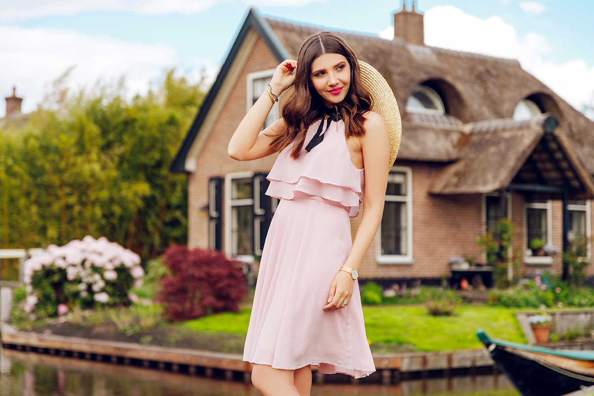larisa costea,larisa style,larisa costea blog,giethoorn,fashion blogger in holland,holland, tulip firlds, no roads,most peaceful town in the world, 180 bridges,little venice,venice ofthe north, ever pretty,bridesmaid dress, bridesmaids, big hat, straw hat, oversized straw hat, pink dress, ruffled dress, romatic town, romantic dress,pink sandals, sam edelman,larisa in holland, travelblogger,traveler,wanderlust, travel the world, always traveling, on thr road, flowers,spring, blooming trees, ducks