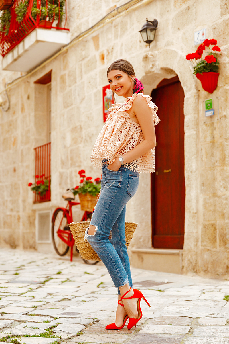 larisa costea,larisa style, larisa in italy, the mysterious girl, fashion blog,travel blog, travel blogger, fashion blogger,monopoli, puglia, bella italia, travel to titaly, visit italy, chicwish top, crochet top, lace top, peachy top, peach colour, tangerine sandals, ripped jeans, skinny jeans, asos jeans, heels, scarf, hair tied with scarf, trends, summer, summer outfit, summer destination, straw bag, kayu, centro storico, narrow streets, ramantic look, outfit inspiration, ootd, what to wear, golden necklace, flowers, flower pots, bike, monopoli port, port view, heart shaped sunnies