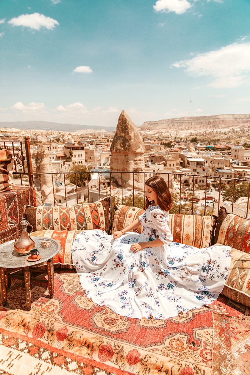 larisa costea, larisa in turkey,turkey, turkish, fashion blogger, travel blogger,traveling, wanderlust, best destinations, best vacations,holiday, 2018,summer, summer holiday,june,birthday present,cappadocia, kappadocia, goreme,kaiseri, carpets,magic carpet, aladin 1001 nights, arabic vides, chicwish, floral dress, vista hotel, vista cave hotel, cave hotel, cave rooms, terrace, best terrace in cappadocia, balloons, ballon,hot air balloon, balloon ride, floral print dress, beige sandals, nude sandals, flowy dress,long dress, prom dress, evil eye, wishing tree,magic eye