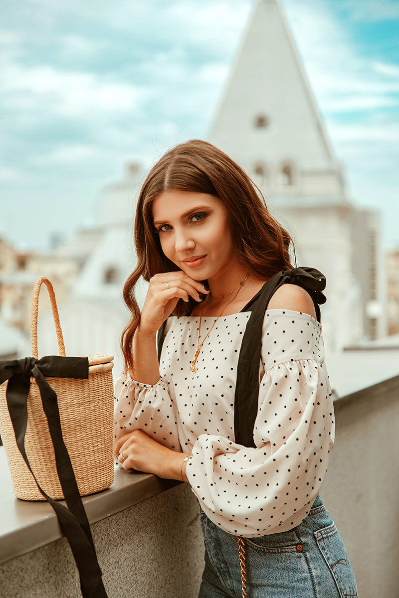 larisa costea,larisa style, adrian sunrise inc, adrian mindroc,power couple, couple goals, couples that work together,larisa costea blog, 5 years anniversary, 5 ani de blog, aniversare blog, giveaway, concurs, surpriza, vorbeste lumea,interview,interviu,pro tv, press, bsitro cismigiu, bistro la eta,bucuresti,beautiful restaurants in bucharest, polka dots, chanelbelt,vintage jeans,mom eans,polo t-shirt,lacoste t-shirt,men style, women style, street style, gucci belt, royal rose, rose box, shopping spree, fashion stylist,go to shopping with me