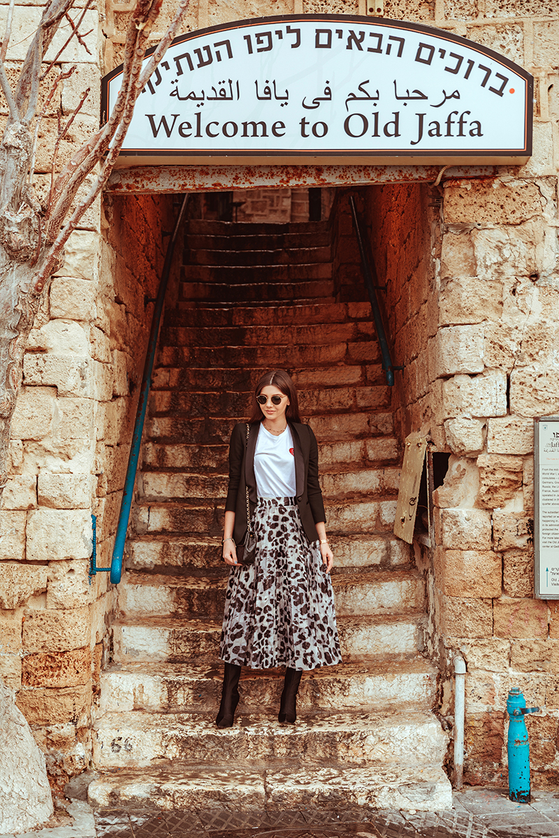 larisa costea,larisa style,larisa costea blog, fashion blog,travel blog, traveler, tel aviv,isael, visit israel,larisa in israel, jaffa port,old jaffa,old city,city center, old buildings, la maison de confiance, leopard print skirt, fusta cu print leopard, animal print, darring skirt, statement skirt,pleated skirt,fusta plisata, basic outfit, with a twist, basic white tee,nakd fashion, zara black blazer,tuxedi blazer, vintage chanel bag, shopbop, black mini flap chanel, chanel bag,sock boots, balenciaga, jessica buurman boots, rayban sunglasses,sunnies,round sunnies, streetstyle,outfit inspiration,office wear, what to wear,inspiratie tinuta,birou