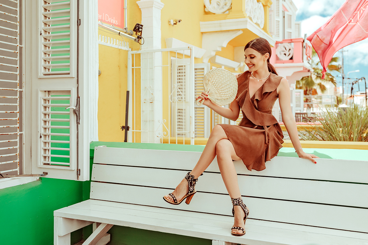 larisa costea,larisa costea blog,larisa style, la maison de confiance dress, rochie la maison de confiance,rochei din matase, silk dress, ruffled dress, summer ootd,outfit of the day,ootd, outfit inspiration, island, curacao, curaçao, caribbean, caribbean sea, dutch antilles, willemstad, bijblaw, hotel, boutique hotel,best hotel in curaçao, altantic ocean, view tothe ocean, island vibes, colurful buildings, ocean city hotel, sea view, beach acces, pietermaai, city center, beans coffee, coffee dress, caramel dress, jessica buurman sudded sandals, siabel marant inspired