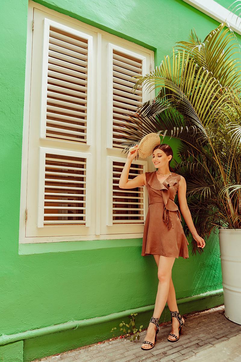 larisa costea,larisa costea blog,larisa style, la maison de confiance dress, rochie la maison de confiance,rochei din matase, silk dress, ruffled dress, summer ootd,outfit of the day,ootd, outfit inspiration, island, curacao, curaçao, caribbean, caribbean sea, dutch antilles, willemstad, bijblaw, hotel, boutique hotel,best hotel in curaçao, altantic ocean, view tothe ocean, island vibes, colurful buildings, ocean city hotel, sea view, beach acces, pietermaai, city center, beans coffee, coffee dress, caramel dress, jessica buurman sudded sandals, siabel marant inspired