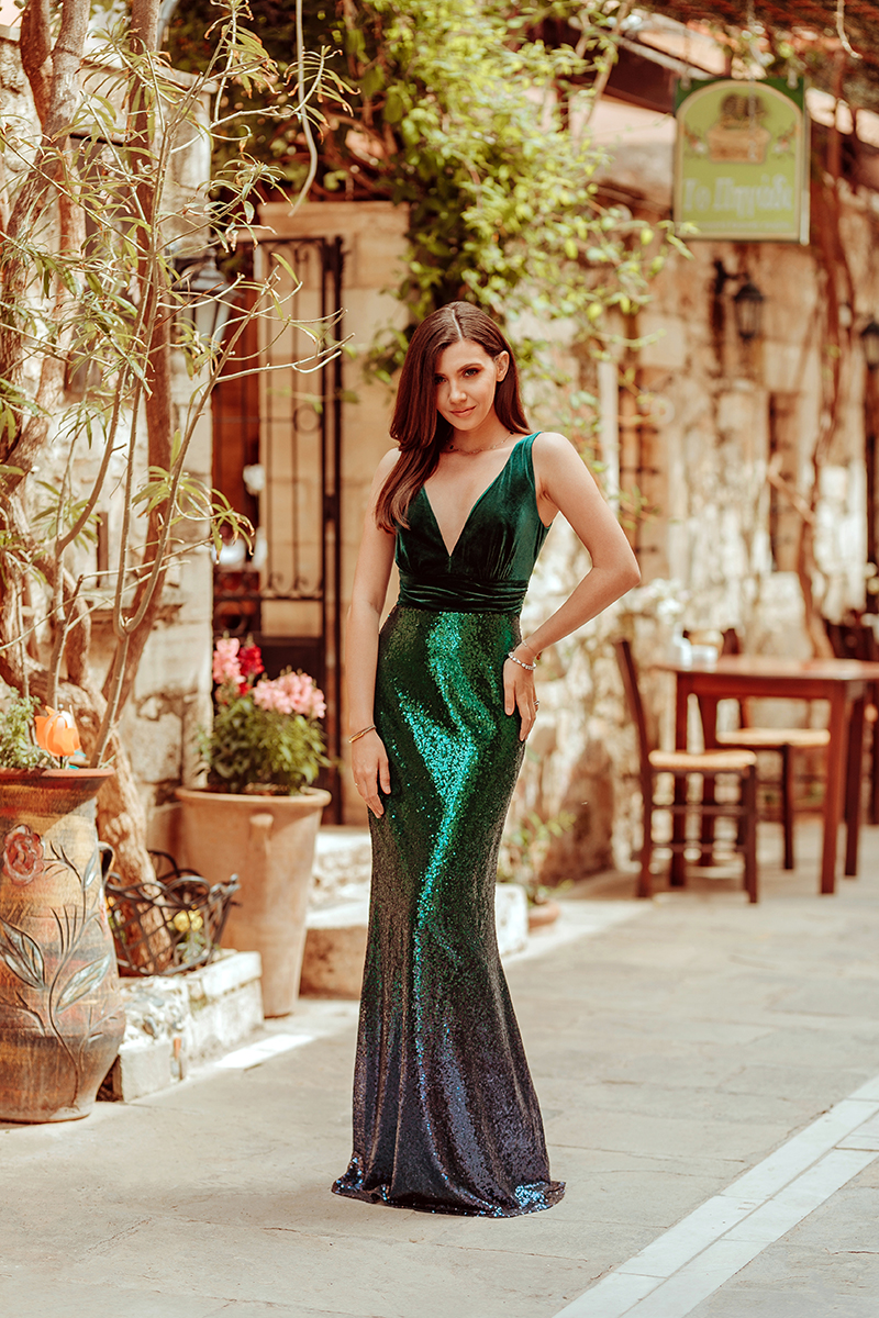 larisa costea,larisa costea blog, fashion blog, travelblog,lifestyle blog, romanian blogger, blogger roman, europeean blogger, crete, greece, creta,rethymnon,rethimnon, rethymno, old city center, mosque, narrow streets, chic streets,ever pretty, ever pretty dress, dresses, ball dress, evening dress, mermaid dress, rochie de seara, rochie de ocazie, rochie de nunta, rochie sirena, rochie lunga, rochie eleganta, elegant dress, wedding guest dress, 201 dresses, prom dress, sequined dress, sequins,omnre sequins, sequin pattern, elegant look, hair and make up, what to wear to a wedding, cheap dresses, affordable dress, rochii ieftine, rochii de nunta, rochie paiete