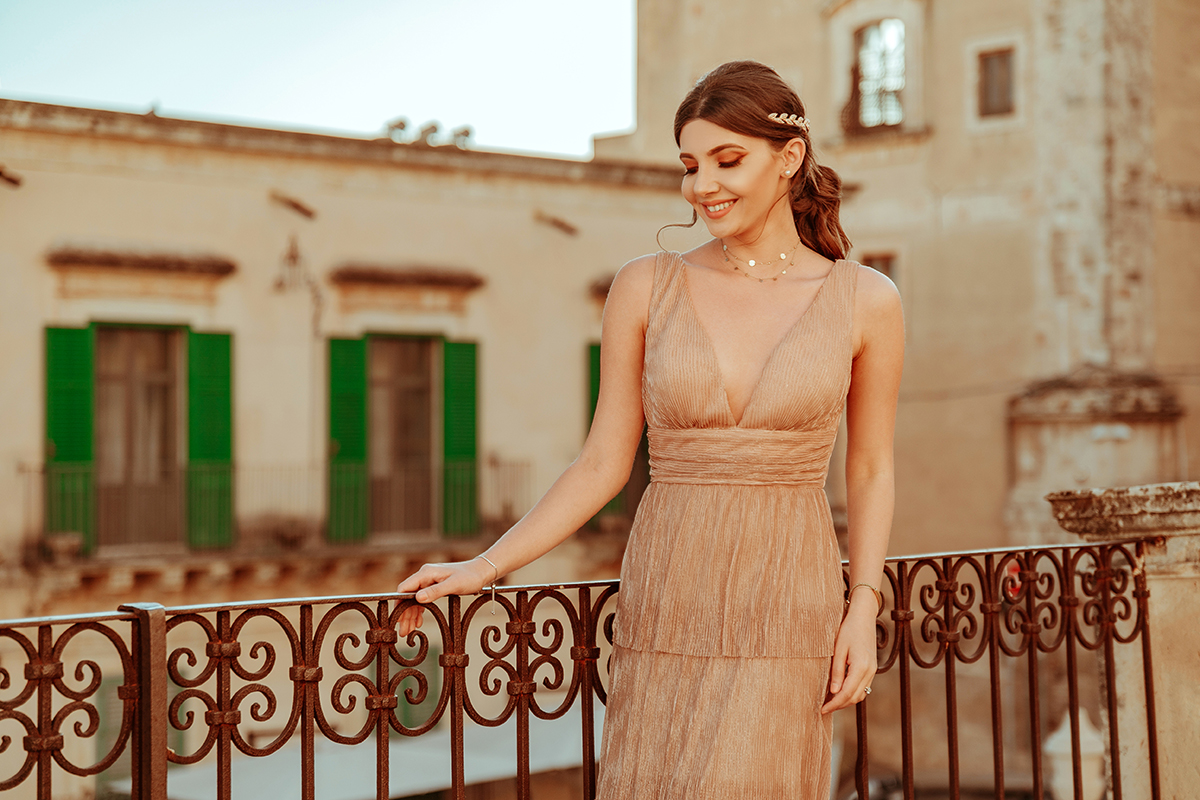 larisa costea,larisa costea blog,ever pretty,party dresses, prom dresses,wedding guest dress, special ocazion dress, elegant dress,nude dress,nude pink, shimmery, best deals, cheap dresses, rochii de ocazie,rochii lungi,rochii de nunta, rochii ieftine, ever pretty,ali express,noto, palazzo comunale, siracusa, sicily, sicilia,larisa in sicily, larisa in italy, italia, travel, traveler, travel blog, travel tips, fashion blog, fashion blogger,outfit inspiration,oots,elegant look, summer dress, spring dress