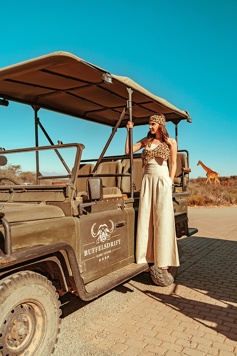 larisa costea.larisa costea blog, fashion blog, travel blog,lifestyle, traveler, la maison de confiance, safari look, linen suit,palazzo linen pants, linen set, summer, leopard print, summer look, jeep, range rover, safari, buffles drift, game lodge, south africa, larisa in south africa, oots,outfit inpsiration,holiday loo, africa, mother afriva, antelopes, giraffe, game reserve,outdshoorn, best vacaton, best destination, holiday, vacation, besthotels, reserve, reservation, hippos, zebras, buffalos, meerkat