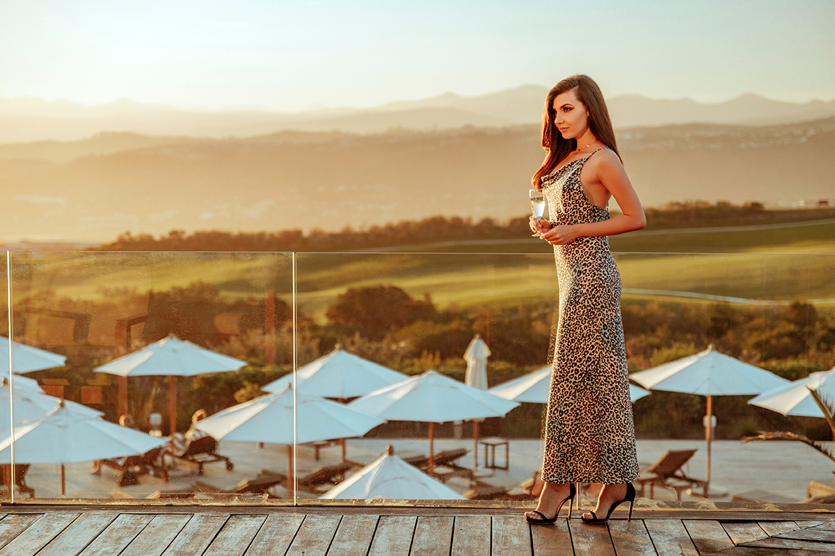 larisa costea, larisa costea blog, fashion blog, travel blog, blogger, romanian blogger, south africa, larisa in south africa, knysna, lagoon area, best sunsets, best destination, best vacation, garden route, pezula, pezula hotel, pezula resort hotel and spa, relaxation, best vacation 2019, western cape, la maison de confiance, dress, rochie cu print leopard, rochie de seara, rochie de club, midi dress, body cone, cami, chain strap, pastel leopard print, anna cori sandals, black sandals, stiletto sandals, elegant dress, casual, hot, best views, mood, golden hour, light