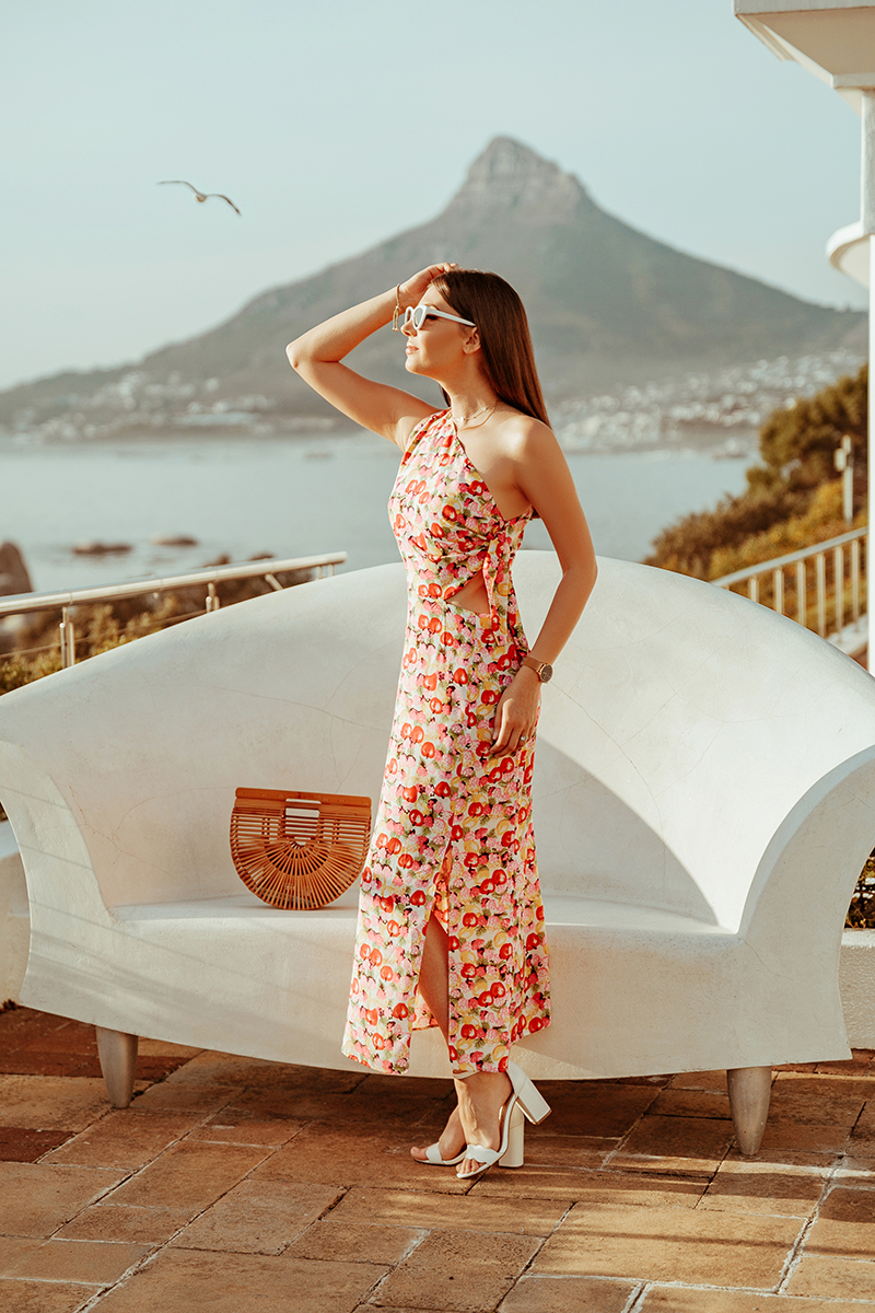 larisacostea, larisa costea blog, fashion blog, travel blog, south africa, cape town, bay, bay area, 12 apostoles, hotel, best hotels, best detination, best vacation, destination 2019, la maison de confiance, hot days, summer outfit, fruit print, apples, apple print dress, midi dress, rochie de vara, rochie vaporoasa, pret avantajos, tropicana