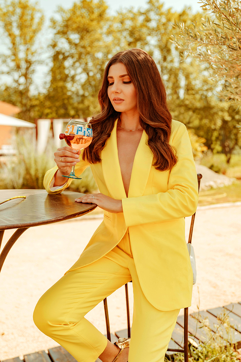 larisa costea, larisa costea blog, larisa style, yellow suit, la maison de confiance, fierce look, domaine de pradaous, provence, reillane, gold sandals, pool, best hotels, best destinations, best vacation, vacation, holiday, 2019,summer 2019, relax, oasis, country side, pink cale,editorial, lookbook, lookpost, travel blog, fashion blog,ootd,outfit inspiration, summer outfit, costum galben, costum,pantaloni sacou, tinuta, inspiratie tinuta