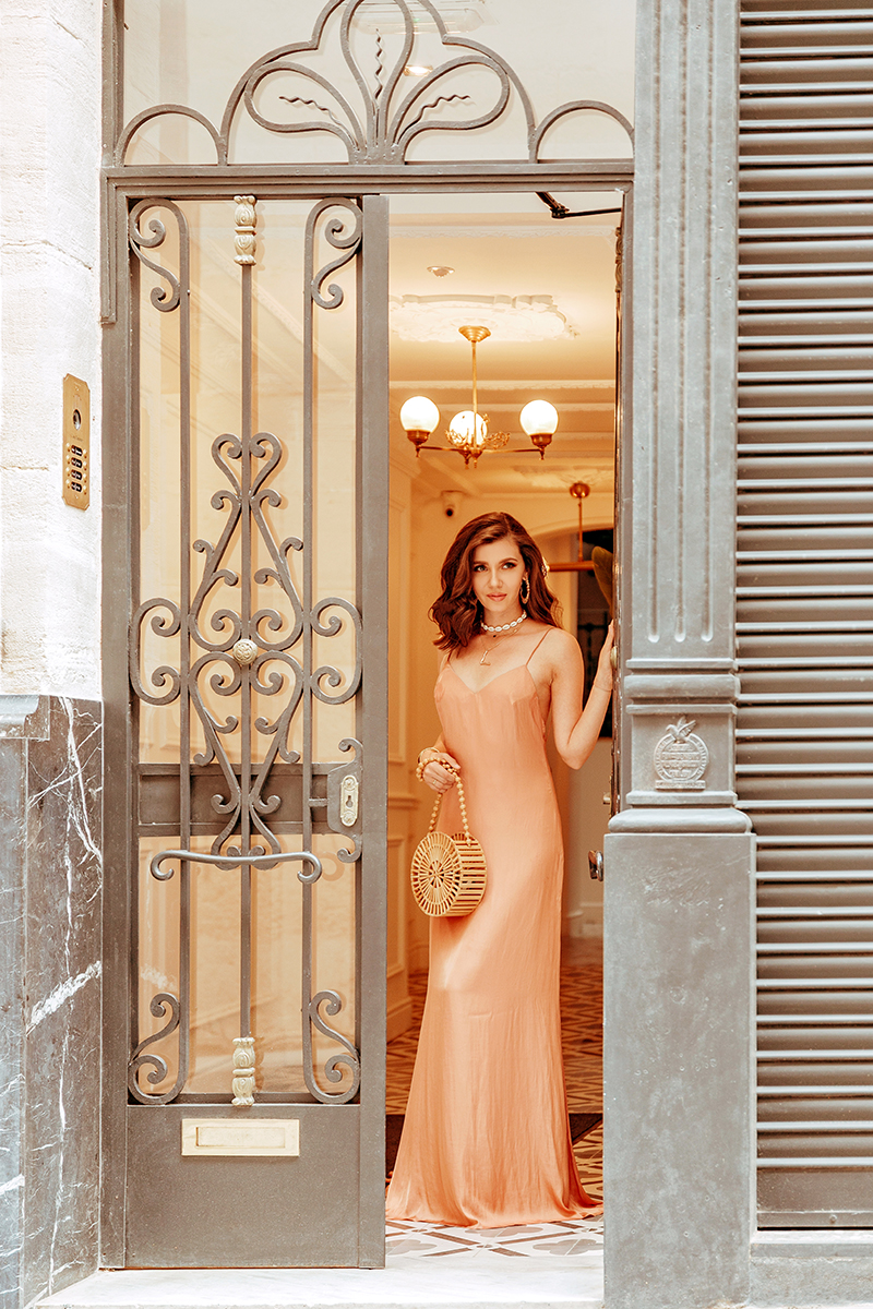 larisa costea, larisa style, larisacostea blog, fashion blog, travel blog, traveler, alcoy, casa timiteo, happy friday home, best hotels, best destination, best vacation, valencia, alicante, spain, espagna, summer holiday, summer 2019, revolve, lovers and friends, long dress, backless dress, nude dress, silk dress, cami dress, camistrap, fashion, style, ootd, outfit inspiration, summer holiday outfit, fashionista, shell necklace, deco inspiration, interior design, terrace view, blue dome, church view, hoop earrings, charm hoops, white sandals, kitten heel, bath robe, cotton sheets, tropical wallpaper, traopical inspiration, soft curls, long bob, lob hair cut, haircut inspo, cult gaiua bag, bamboo pag, rpund wood nag, summer bag, summer purse, primark