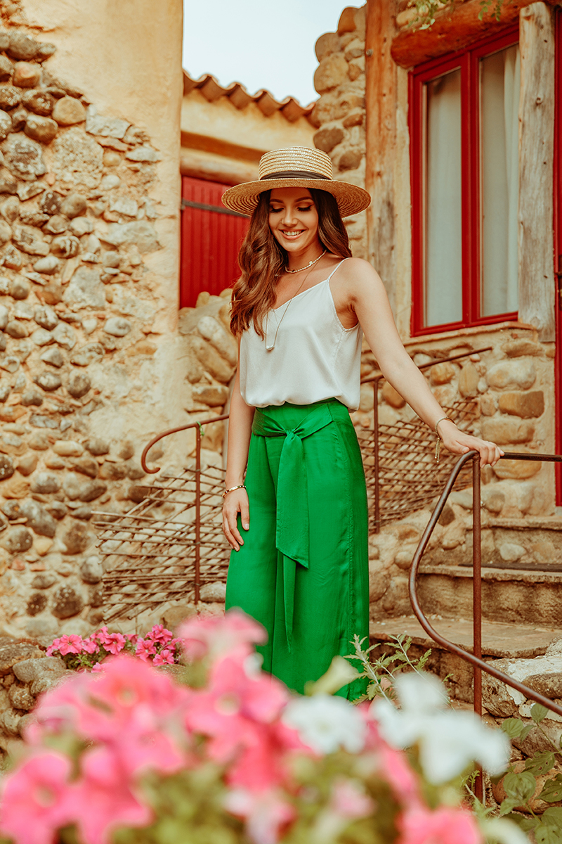 larisa costea, larisa style, larisa in provence, larisa costea blog, travel blog, fashion blog,ootd,outfit inspiration, summer holiday outfit, summer outfit,provence,le clos des collines, chambre de hotes, gites, france, franta, vacanta in franta, france holiday, best hotels,best destination, best vacation, summer 2019, best summer location, natural, peaceful, rustic,provencal, provensal, deco, romantic, breakfast, dinner, ratatouille, lavender, lavande