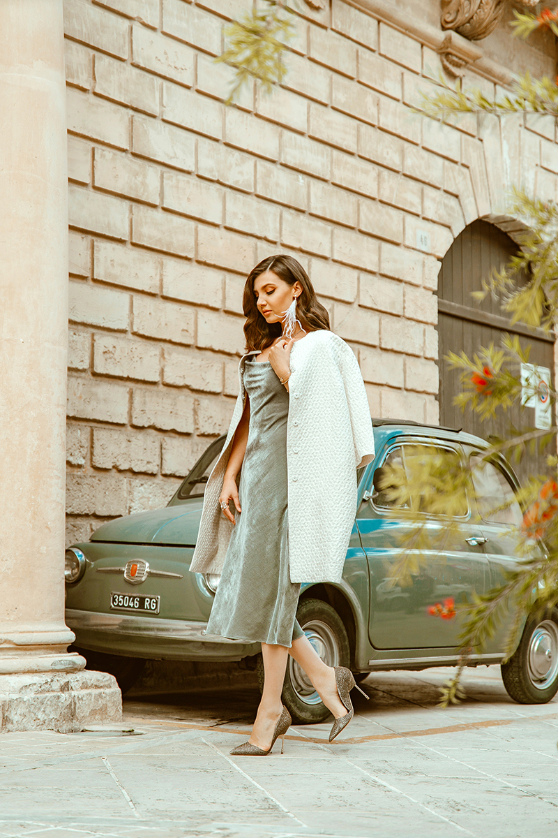 larisa costea, larisa costea blog, larisa style, larisa in italy, larisa in sicili, sicilia, sicily, modica, visit taly, travel blog, fashion blog, cocktail outfit, special event, la maison de confiance, rochie din catifea de matase, catifea, grey velvet, white coat, benjamin franklin 7, feather earring, anna dumitru, old vespa, red vespa, old fiat 500, cinquecento, retro look, las chicas del cable, outfit inspo, ootd, outfit inspiration, fall outfit, autumn outfir, elegant look, kurt geiger stilettos, sparkling shoes