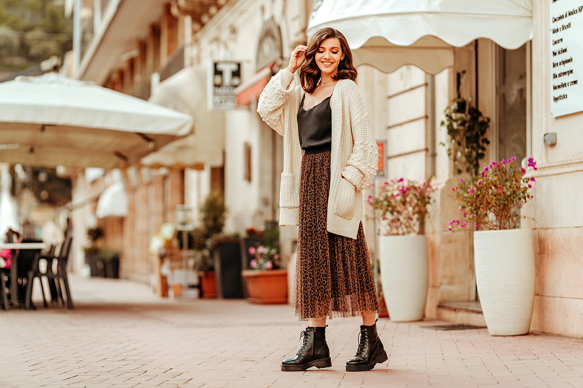 larisa costea, larisa costea blog, larisa style, beige cardigan, sweater, chicwish cardigan, bubble sleeves, black cami top, spaghetti strap top, black boots, tezyo boots, leopard print skirt, tulle skirt, fall outfit, autumn outfit, modica, italy, sicily, sicilia, larisa in sicily, larisa in italy, lovely italian streets, travel blog, fashion blog, lifestyle, best location, best destination, unesco town