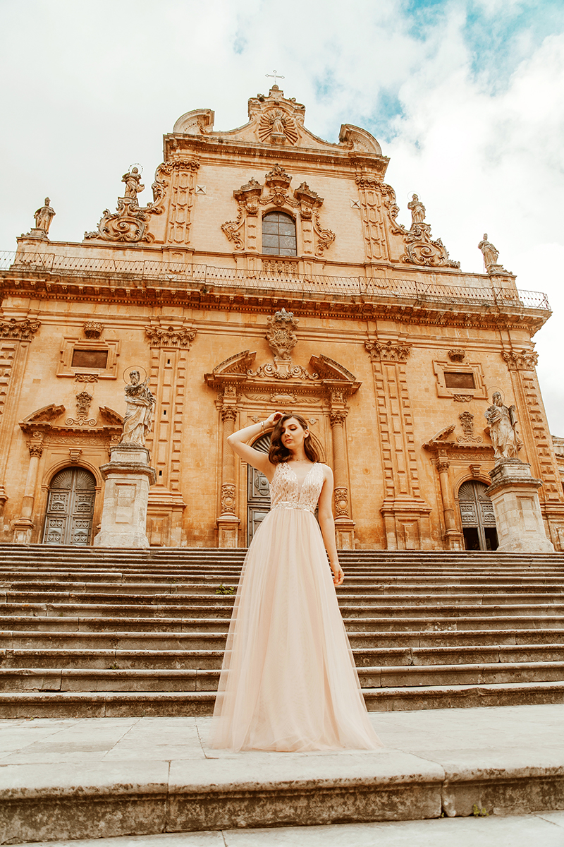 larisa costea, larisa costea blog, larisa in italy, larisa in sicily, sicilia, sicily, modica, unescu buidings, san pietro church, san giorgio cathedral, baroque style ,aroque buildings, oldest baroque city, ever pretty, new arrivals, elegant dress, long dress, bridesmaid dress, prim dress, wedding guest dress, pink dress, tulle dress, sequin dress, special ocasion dress, ootd, glam, glamorous, street style, ootd, outfit inspiration