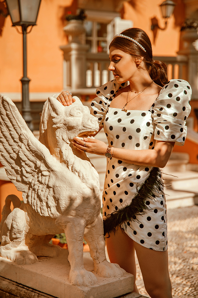 larisa costea, larisa style, lpa dress, short drss, part dress, feathers, details, car rental, goldcar, sicily, road trip to sicily, sicilia, modica, ibla ragusa, scicli, villa paradisoo dell etna, discover new places, travel, travel blogger, traveler, fashion blogger, travel photography, pearl headbandm ootd, partyootd, outfitinspiration, best destination, best location, best rental services