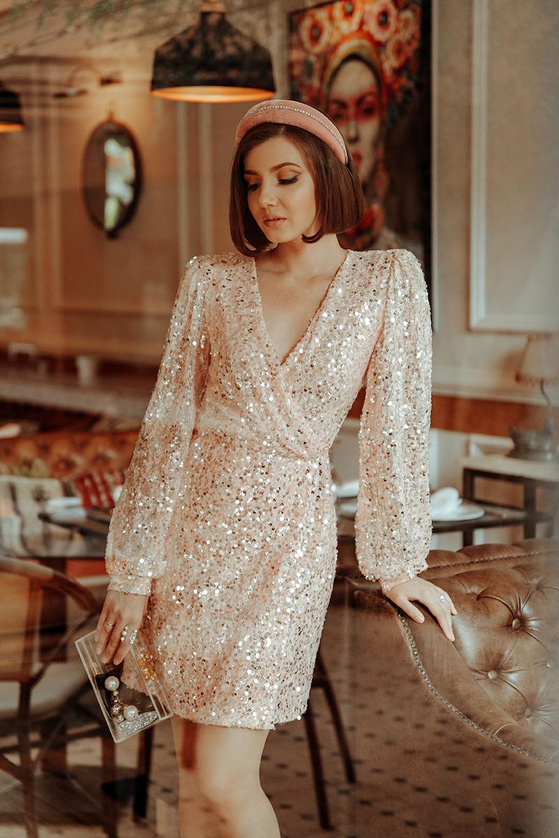 larisa costea, larisa costea blog, larisa style, larisa in morocco, morocco, taghazout, taroundant, agadir, domaine villate limoune, best destination, best location, outfit inspiration, ootd, nye. nye2020, sparkling dress, what to wear, sequin dress, alyich, alina puscas designer, bridal, ready to wear, special dresses, rochii speciale, rochii ocazie, rochii revelion, rochii de mireasa, plexiglas clucth, mnologie, anna dumitru bentita, bentita de catifea, velvet headband, pink headband, kurt geiger stilettos, sparkling shoes, pantofi stralucitori, glam, glamourous look, party look, best dressed guest