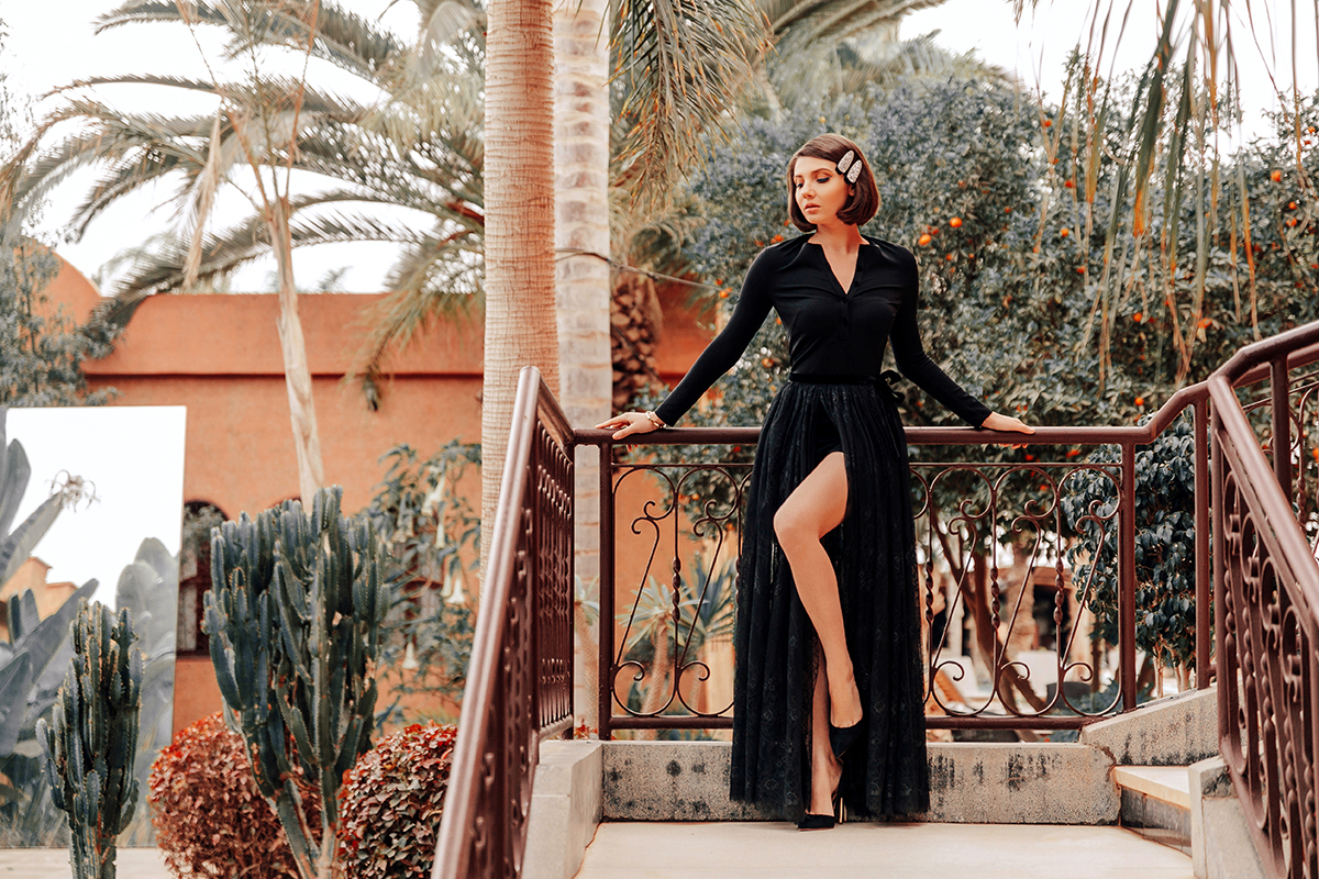 larisa costea, larisa costea blog, larisa style, larisain morocco, morocco, domaine villate limoune, best hotels, bets destination, best location, animal farm, bananas, palm trees, orange trees, property, 4 starts, 5 starts hotel, agadir, taroudant, taghazout, la maison de confiance, new collection, black jumpsuit, salopeta neagra, lace skirt, fusta de dantela, dantela neagra, fusta, crapatura pe picior, leg split, black stilettos, black shies, sparkle hair clip, oots, outfit inspiration, nye look, glam look