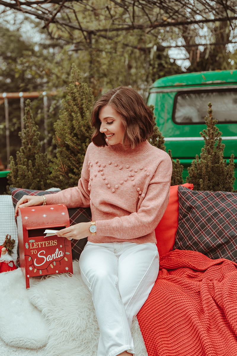 larisa costea, larisa costea blog, larisa style, fashion blog, fashion blogger, christmas 2019, christmas photo shooting, special christmas, sould presents, be present, family, friends, couples photoshooting, lilebuba, lilebuba photography, best chritmas shooting, best phototgraphers, wedding photographers, chicwish outfit, christmas revelation, chicwish skirt, tulle skirt, pink tulle, pearl details, chicwish sweater, pink sweater, blush pink, soft pink, fill pink look, chritmas outfit, christmas ootd, diane von furstenberg, nude shoes, pink shoes, pearl earrings, adrian, adrian sunrise inc, husband, hubby, love, christmas deco, second day of christmas, outdoor christmas photoshooting