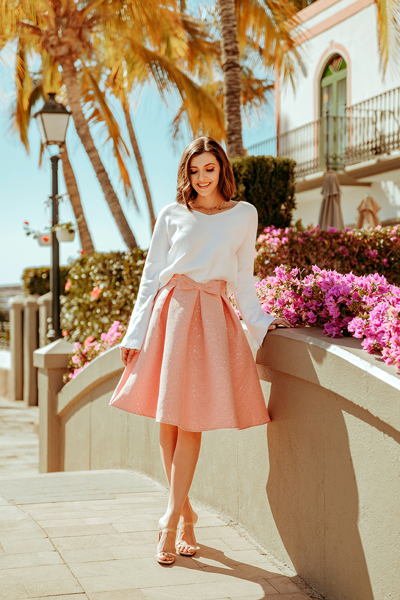 larisa costea, larisa costea blog, larisa style, larisa in spain, larisa in gran canaria, gran canaria, puerto de mogan, lovely village, best destination, best location, holiday, vacation, 2020, chicwish, chicwish skirt, outfit inspiration, 1st of mtch, 1 martie, martisor, steven sandals, transparent sandals, shopbop, white chiswish sweater, girly look, feminine look, feminine outfit, sprint outfit, ootd, chicwish, midi skirt, pink midi skirt, white sweater